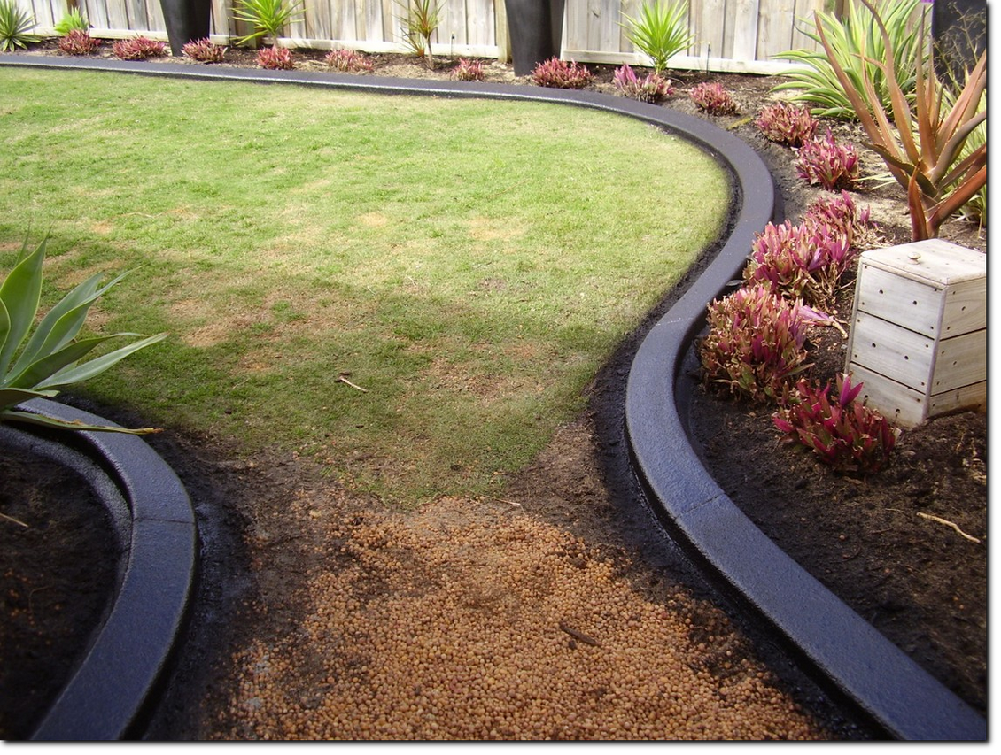 Charcoal Garden Edging, Kerbing near Viveash
